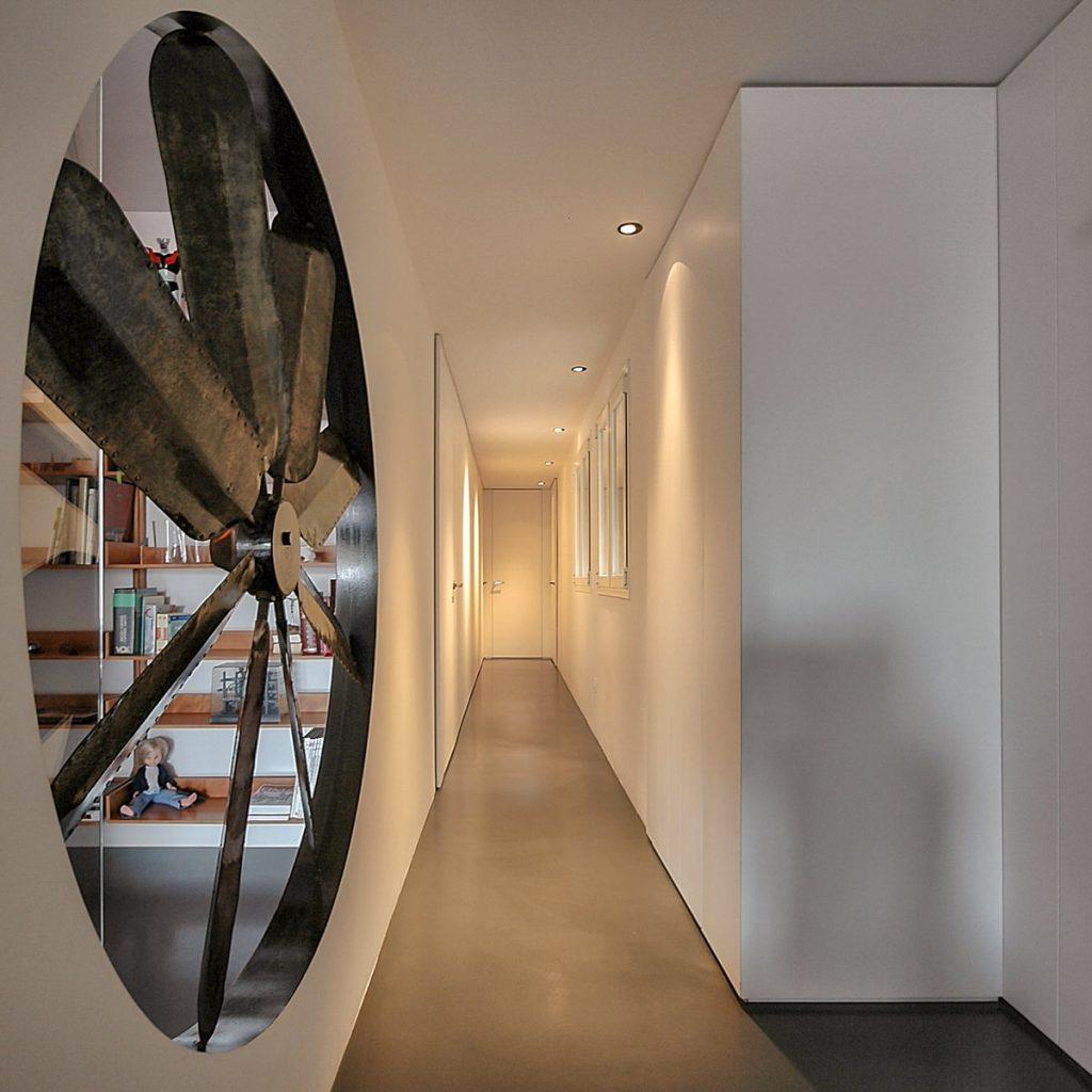 reforma de vivienda con pladur microcemento madera y cristal en Málaga 1