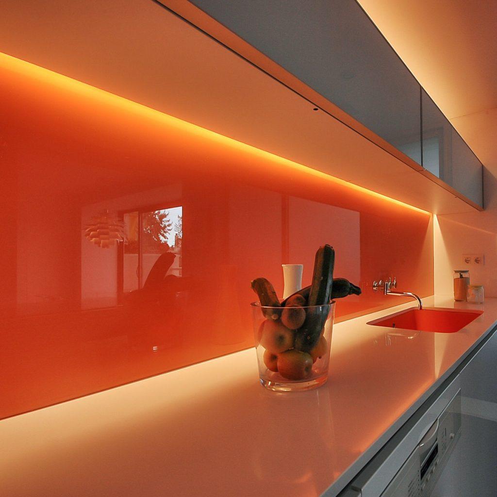 reforma de vivienda con pladur microcemento madera y cristal en Málaga 5